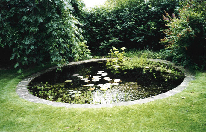 A few pictures by ian salmon landscape gardener all for Circular garden ponds